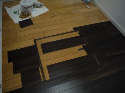 キッチンの床も張り進める