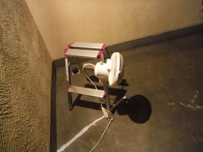 扇風機で夜露を防止