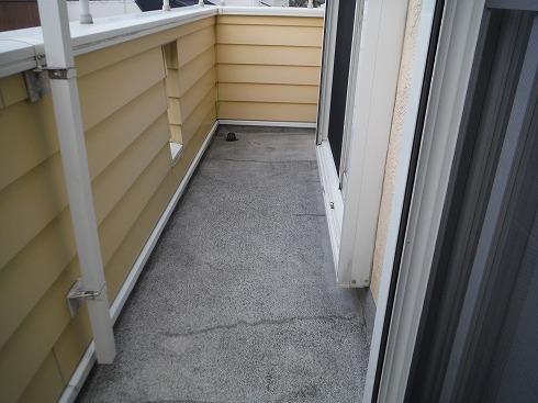 ベランダの床を再塗装 水洗い完了