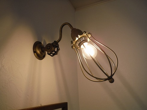 アンティーク感たっぷりな照明器具