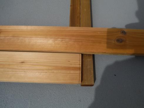 ウッドデッキ製作 継ぎ目の根太は幅が必要だった