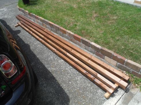 柱材を調達 塗装